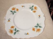 VINTAGE ELEGANT GILDED TAB CAKE PLATE EARLY COLCLOUGH YELLOW CHRYSANTHEMUMS